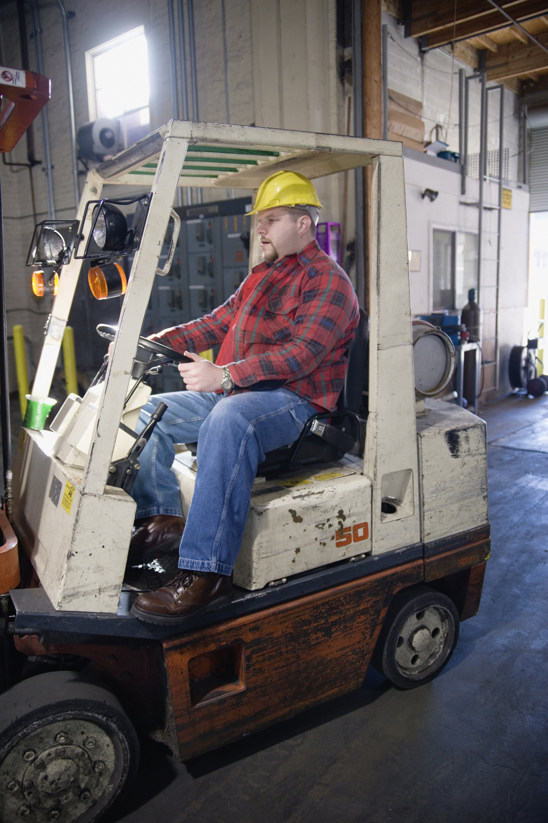 how to become a skilled lift truck driver